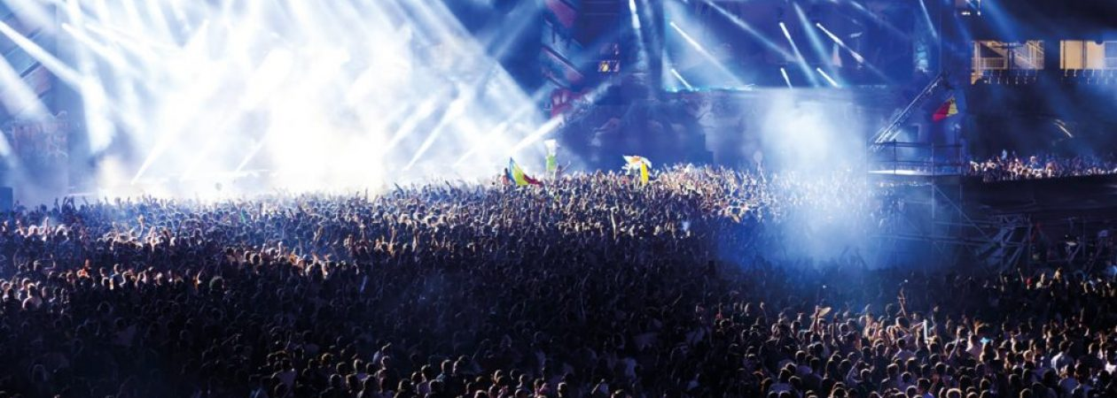header crowd2